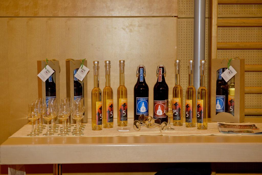 Unser Redaktionsmitglied des Gewerbejournals, Alexander Klüh, lud zur Verkostung seines Bierbrands aus eigener Destillierung die interessierten Gästen ein.